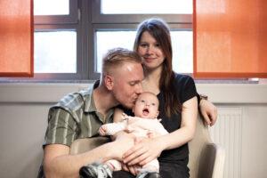 Familie mit Tochter mit Spina bifida