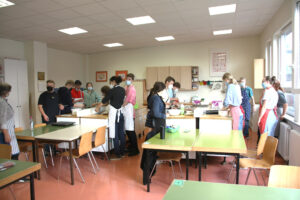 Freie Schule Bochum: Schüler backen gemeinsam