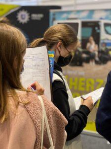 Einstieg Dortmund: Messebesucherinnen